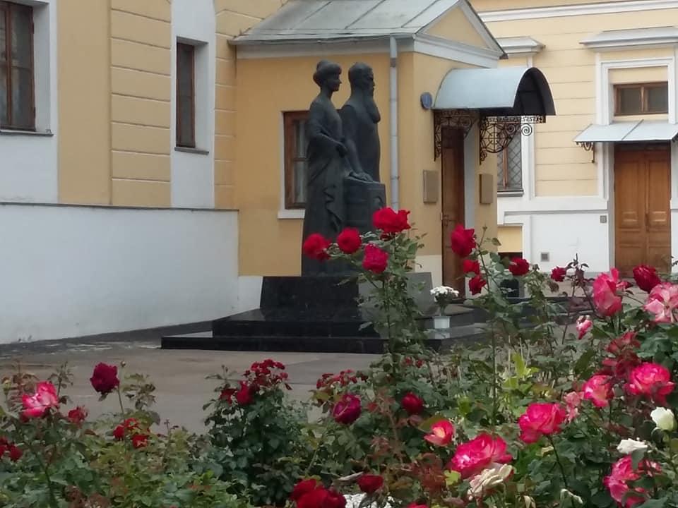 Наш Музейон в розовом цвету (фоторепортаж)