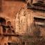 Пещеры Майцзишань. Сокровище Китая. Он расположен в провинции Ганьсу, на северо-западе Китая. Это поразительный архитектурный комплекс, высеченный из скалы. Майцзишань  имеет 7000 буддийских скульптур