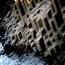 Мостовая гигантов (Giant's Causeway) или Тропа Великана, Северная Ирландия.  Это место, где находятся около 40 000 соединенных между собой базальтовых (реже андезитовых) колонн, образовавшихся в резул