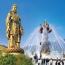 Статуя Будды на холме Линшань около города Уси (провинция Цзянсу, Китай). Высота 88 метров.  Она считается крупнейшей бронзовой статуей в мире.
