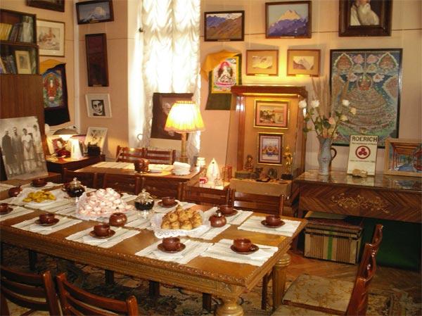 Мемориальный кабинет Ю. Рериха