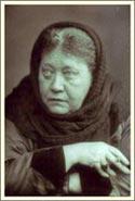 Е. П. Блаватская - Сфинкс 19 столетия. Фото Энрико Реста. Лондон, 8 января 1889. Архив ТО в Англии