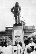 Фотография с открытия памятника полковнику Олкотту