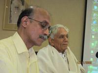 Профессор Мадхаван Палат и академик Локеш Чандра Выступление Каран Сингха