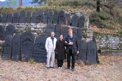 М.Н.Чирятьев,А.В.Постников, М.Куцарова в имении Рерихов в Наггаре