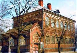 Это бывший историко-этнографический музей княгини М.К. Тенишевой...