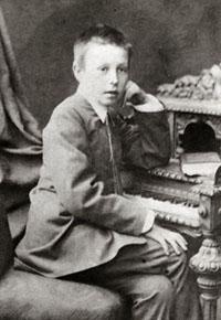 . 12-летний Сережа. 1885 год.
