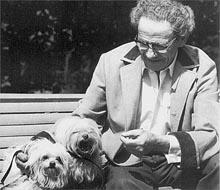Вольф  Мессинг  очень  любил  собак