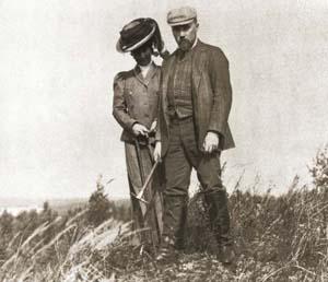 Н.К. и Е. И. Рерихи во время путешествия по Руси. 1903год