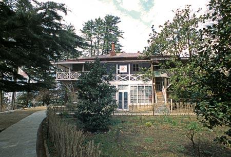 Дом Рерихов в долине Кулу, Индия.