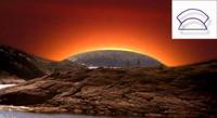 Предрассветная заря в день зимнего солнцестояния в Беломорье. В правом  верхнем углу - древнеегипетский иероглиф «зимнее солнцестояние».