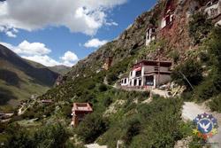 Лхаса. Пещерные храмы