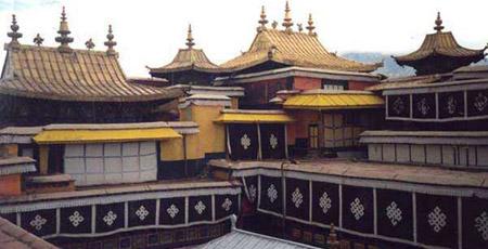 Храм Джокханг, самый священный в Лхасе.