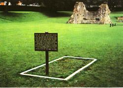 место предполагаемого захоронения Короля Артура