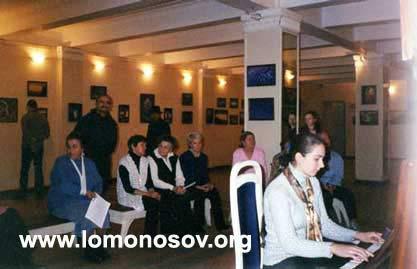 Концерт живой фортепианной музыки на открытии выставки. Играет Титова Светлана