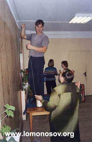 Развеска выставки Святослава Рериха