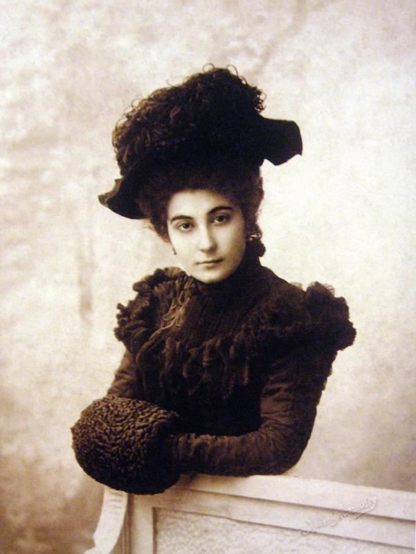 Елена Ивановна Рерих 1900 год.