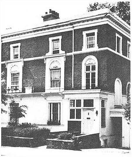 Дом 17 на Ландздаун-Роуд в Лондоне, где жила Е.П. Блаватская и размещалась штаб-квартира Теософского Общества. Фото 1957 г