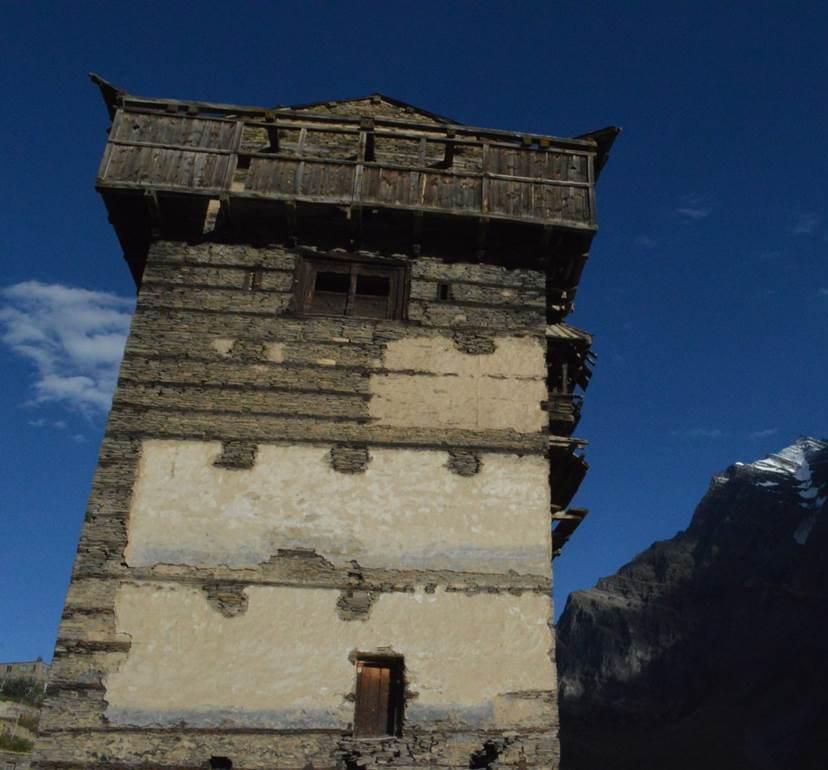 Башня замка Такура. Лахул, п. Гундла. 2016