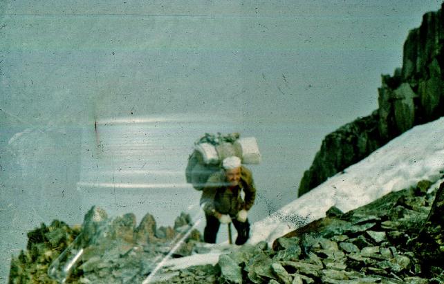 Евгений Маточкин на пути к вершине Беликова  Фото Валерия Тельнова 1983г, 17 августа
