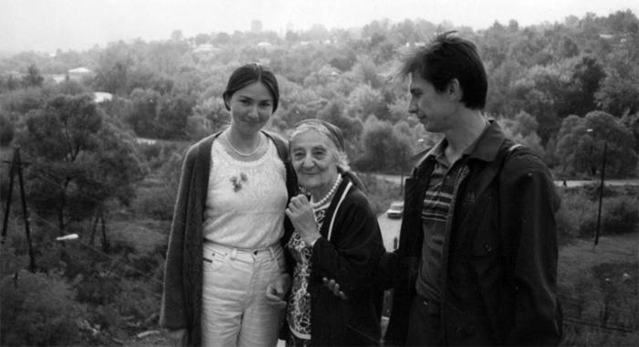 Ю. Ю. Будникова, Л. С. Митусова и А. А. Бондаренко. Елец. 1996. © СПбГМИСР