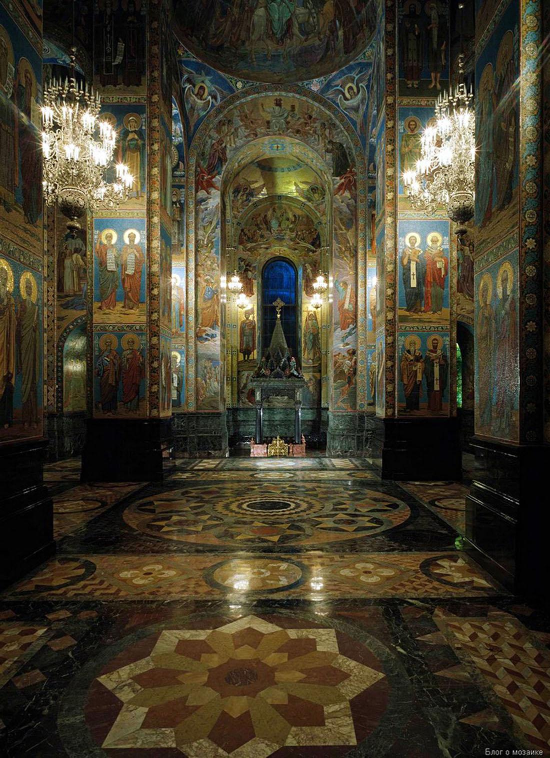 Внутреннее мозаичное убранство Храма Спас на Крови, работы  В.А. Фролова.