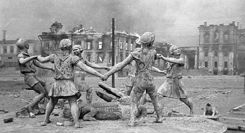Так выглядела главная железнодорожная станция Сталинграда в конце 1942 года