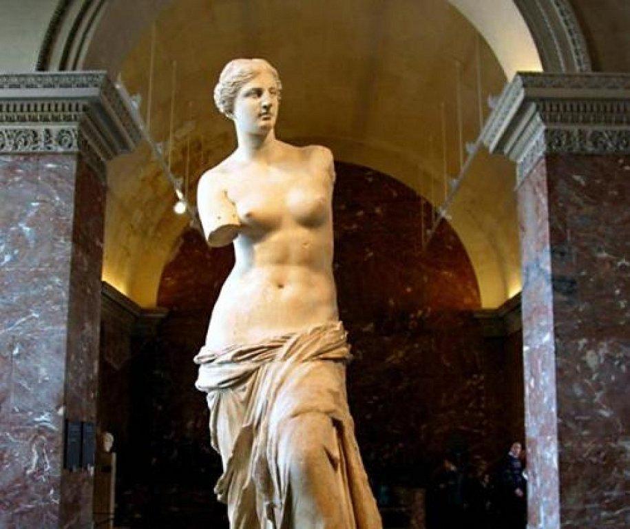 Статуя Венеры Милосской. Париж. Лувр.