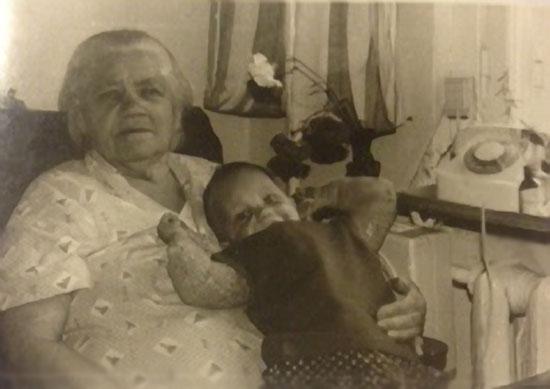 Мама с моей младшей дочерью Василисой