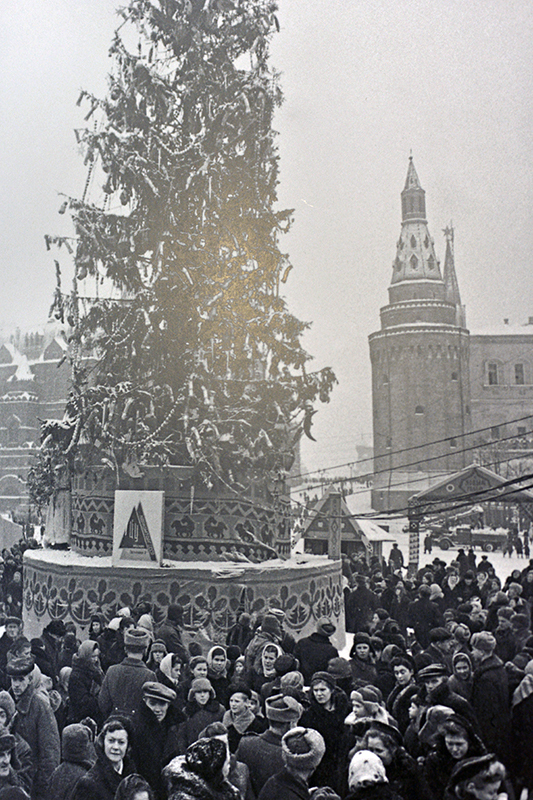 Главная елка на Манежной площади. 1946 год