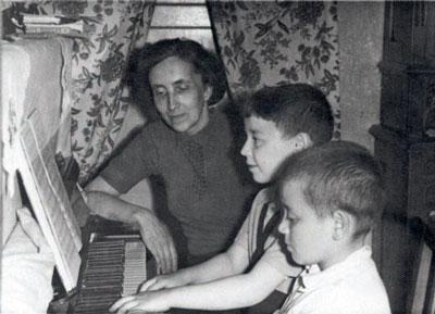 Н.Д. Спирина с учениками
