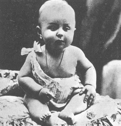 Жан-Поль Сартр. 1906 год.