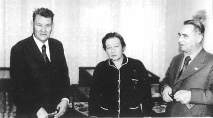 А.П. Окладников, Л.В. Шапошникова, П.Ф. Беликов