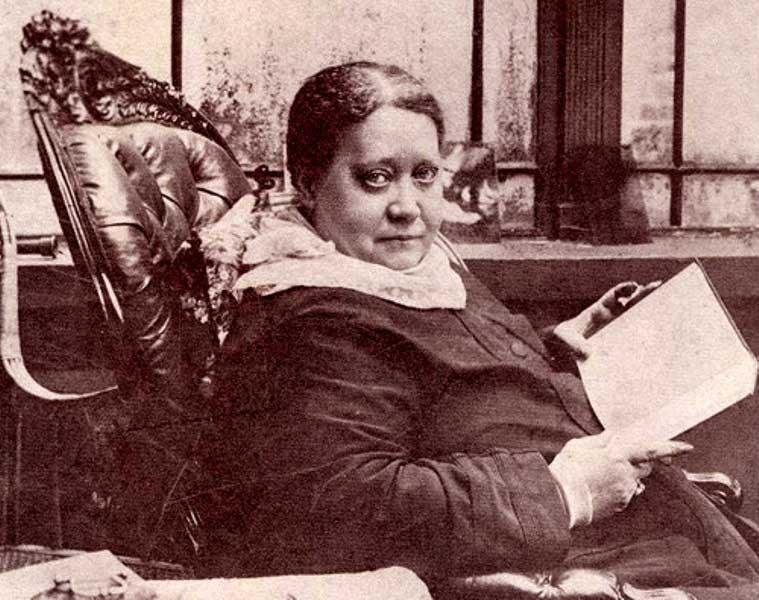 Е.П. Блаватская в «Мейкотте», Аппер-Норвуд, Лондон, 1887 год