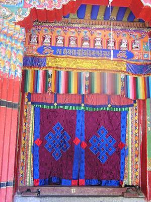 Монастырь  Галдан. Внутренние помещения.