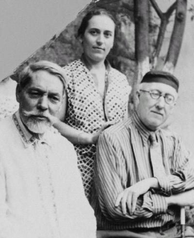 А.А. Тахо-Годи с отцом и А.Ф. Лосев. Лето 1954 года