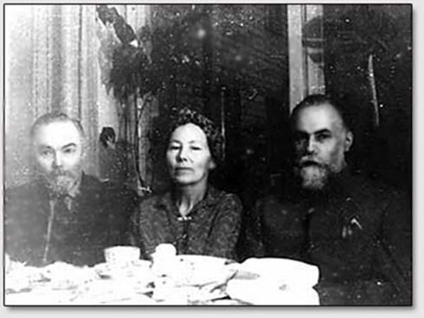 Ю.Н.Рерих, Л.М.Богданова, С.Н.Рерих. Москва, 1960