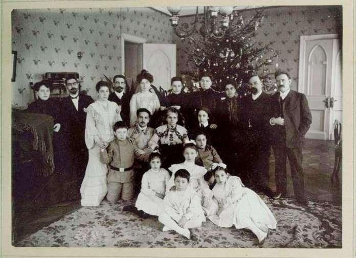 . Рождественская елка в дворянской семье. Первая половина XIX века