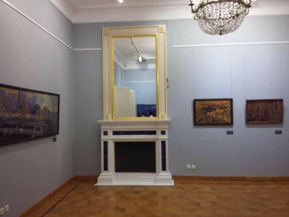 Зал Юрия Николаевича Рериха после захвата Общественного музея